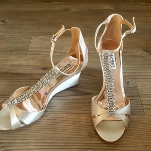 NWT Badgley Mischka Romance Wedge